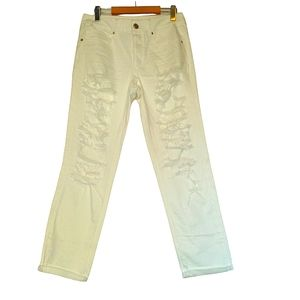 American eagle white distressed crops. Size 6